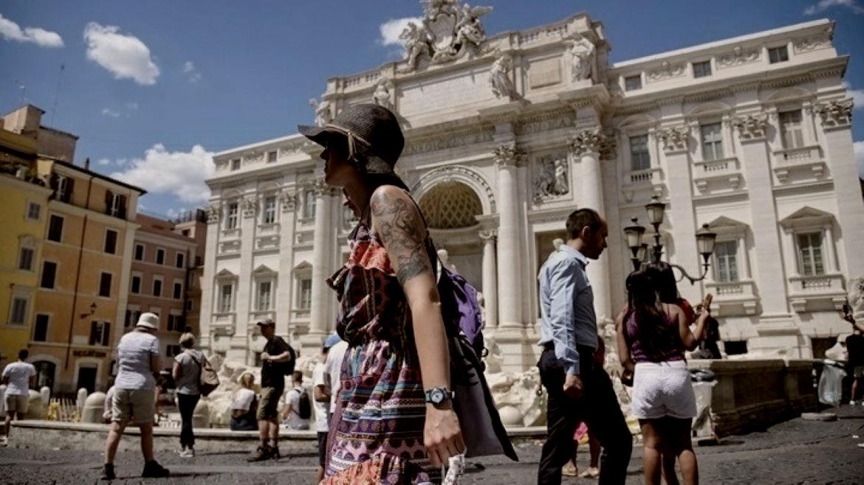 italia - touristes - kalokairi - ape mpe01