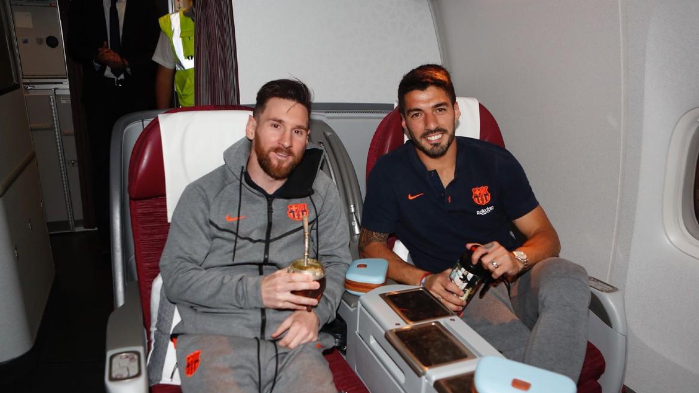 messi-suarez-facebook_Lionel Messi Fans