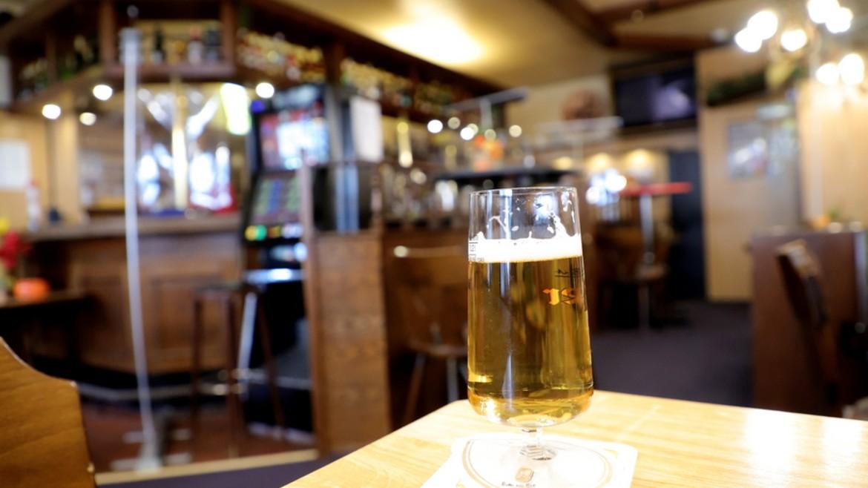 pub - beer - mpira - potiti - bar - germany - ape mpe1