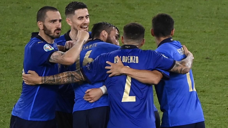 italia-euro-podosfairo-ape-mpe