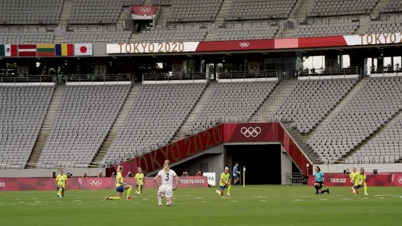tokio - olympiakoi agones 2020 - podosfairo - gonatisma - ratsismos - gynaikies omades - ape mpe 21-07-2021--
