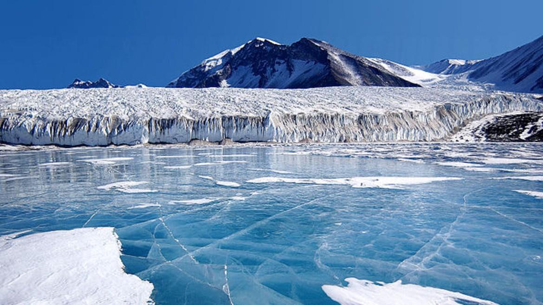 pagoi-antarktiki-wikimedia-commons-org
