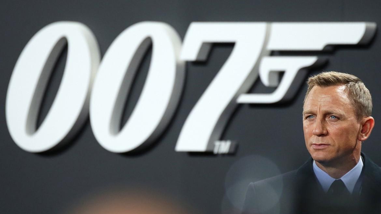 daniel - ntaniel - kregk - craig - james - bond - 007 - tainia - ape mpe 22-01-2021--