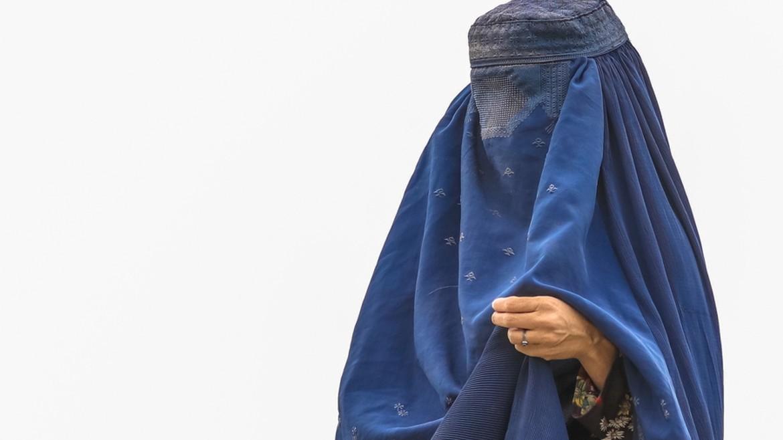 gynaika - ginaika - mpoyrgka - burgha - mpourga - afganistan - ape mpe 15-08-2021--