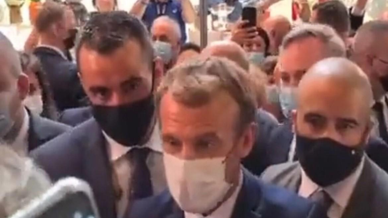 makron - emanouel - gallia - maskes - epitesi - photo by twitter - screenshot - 27-09-2021--