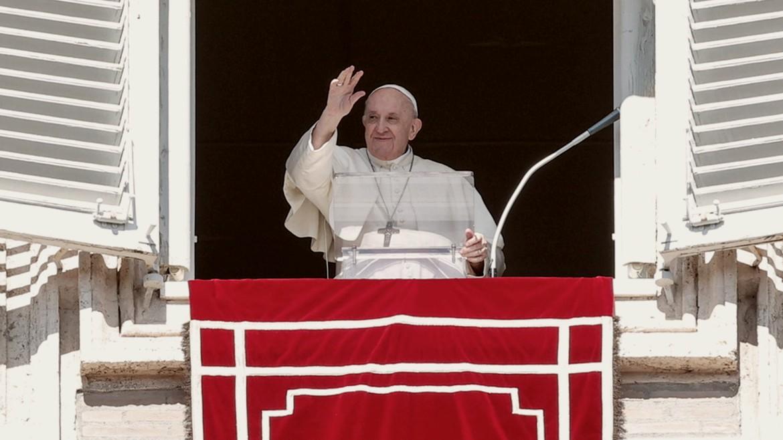 papas - fragkiskos - pope - francis - vatikano - parathyro - ape mpe 10-10-2021--